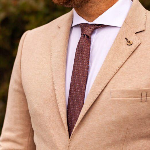 Rozsdabarna Nyakkendő